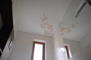 Gėlė ant lubų