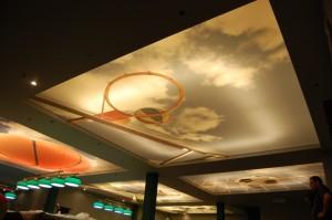 Panaudotos dienos šviesos lempos virš CLIPSO šviesą sklaidančio audinio.